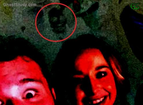 crowd ghost spirit photobomb scary true photo bomb